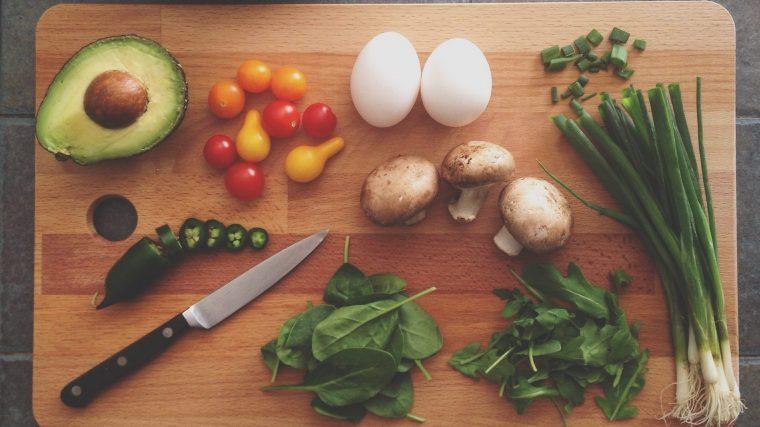犬にあげる野菜が「生か茹でるか」は野菜により変えるのがベスト